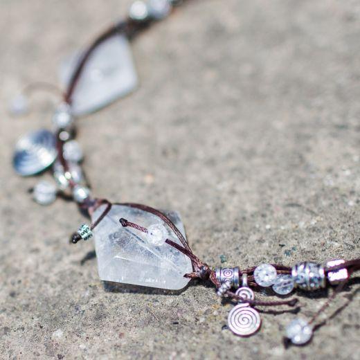 Collier ficelle plaque Cristal de Roche