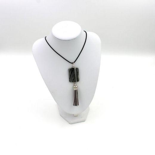 Collier Pompon Serpentine noire