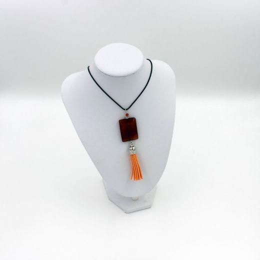 Collier pendentif pompon